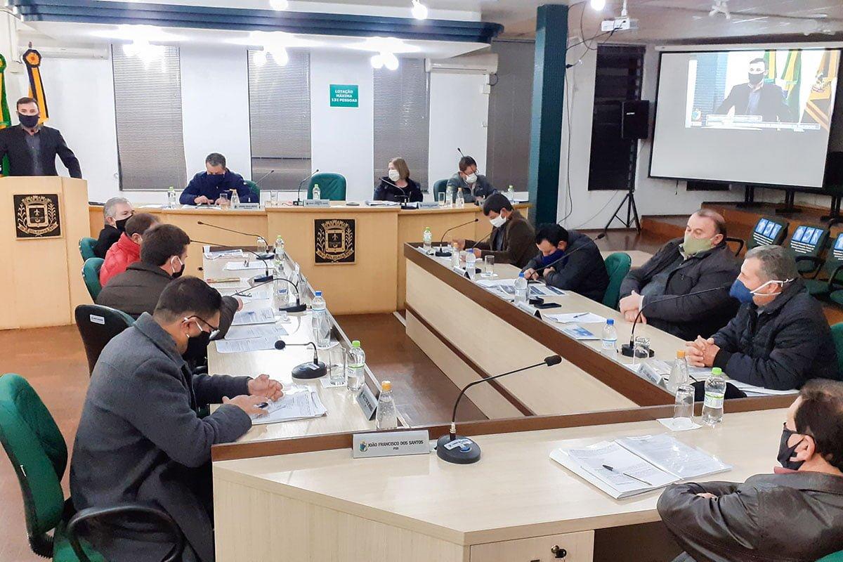 Sicredi Botucaraí RS realizou a entrega de mais duas colheitadeiras financiadas pelo Programa Mais Alimentos