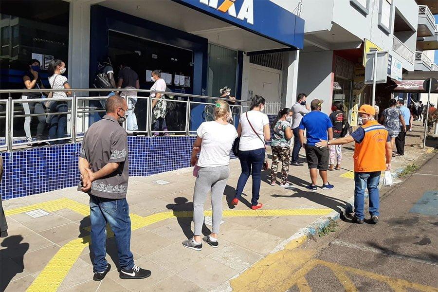 Tio Hugo intensifica e repara serviços de iluminação pública