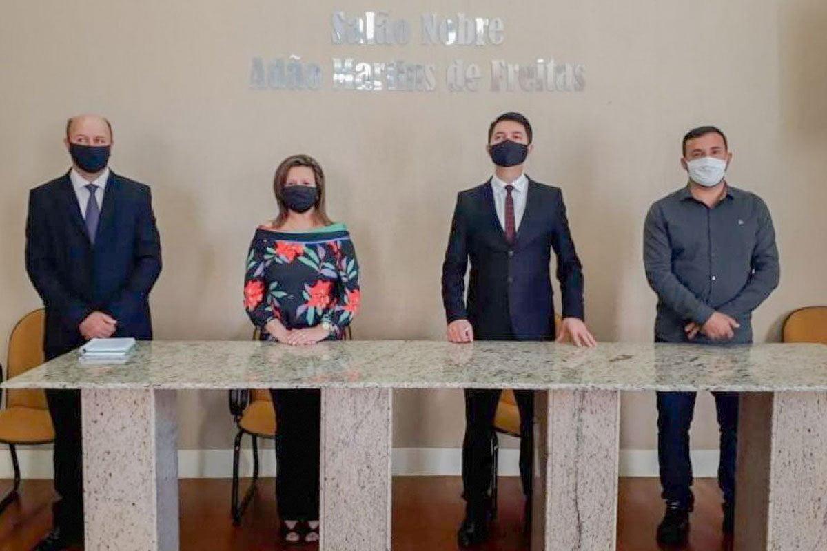 Prefeito Cattaneo participa de Fórum sobre governança e participação
