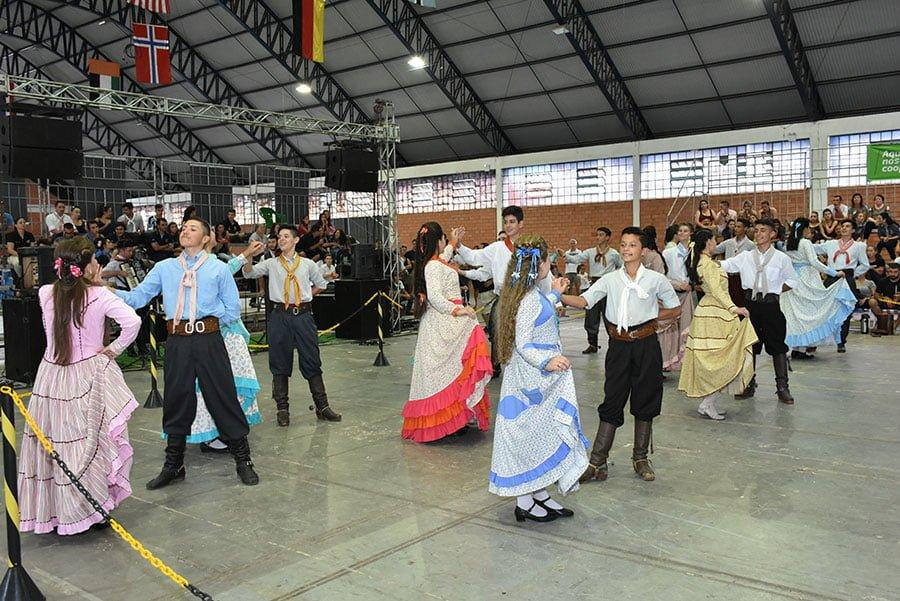 Duplas de Soledade e Porto Alegre dividem prêmio principal do Rodeio de Soledade