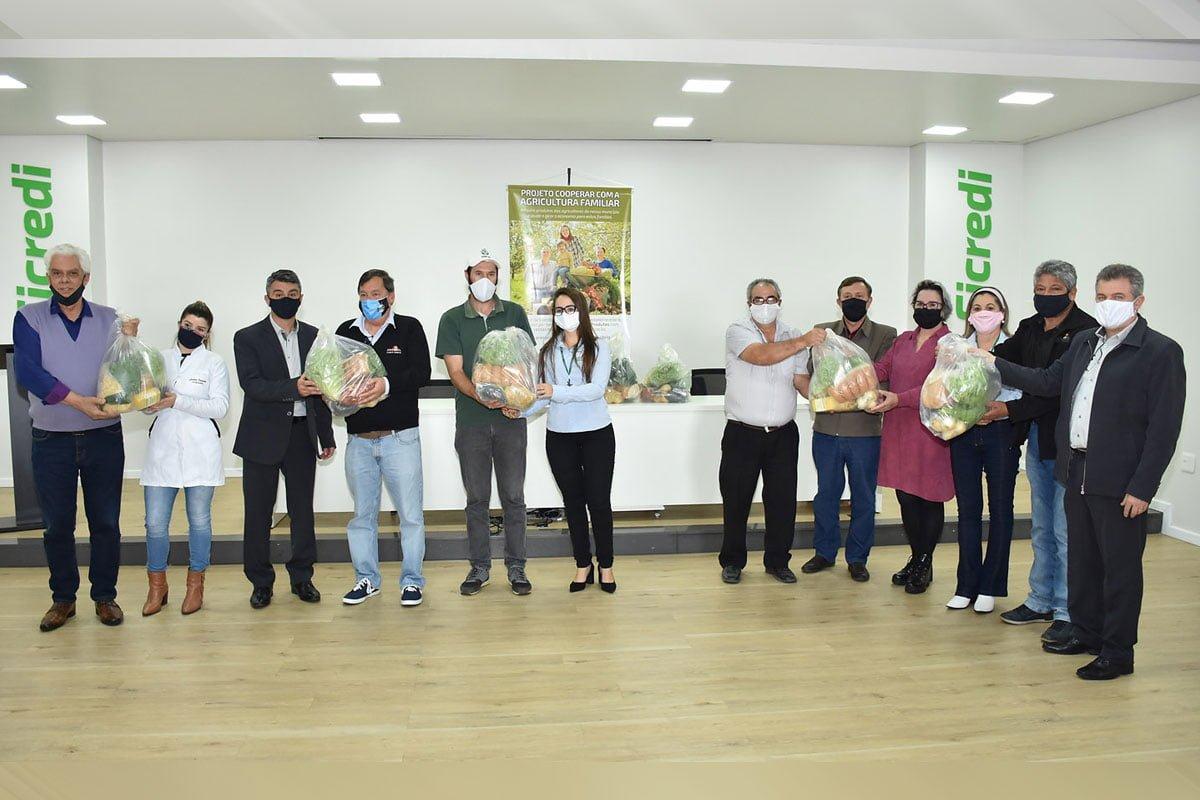 Secretário Azevedo inaugura obras na Escola Ernesto Ferreira Maia de Fontoura Xavier