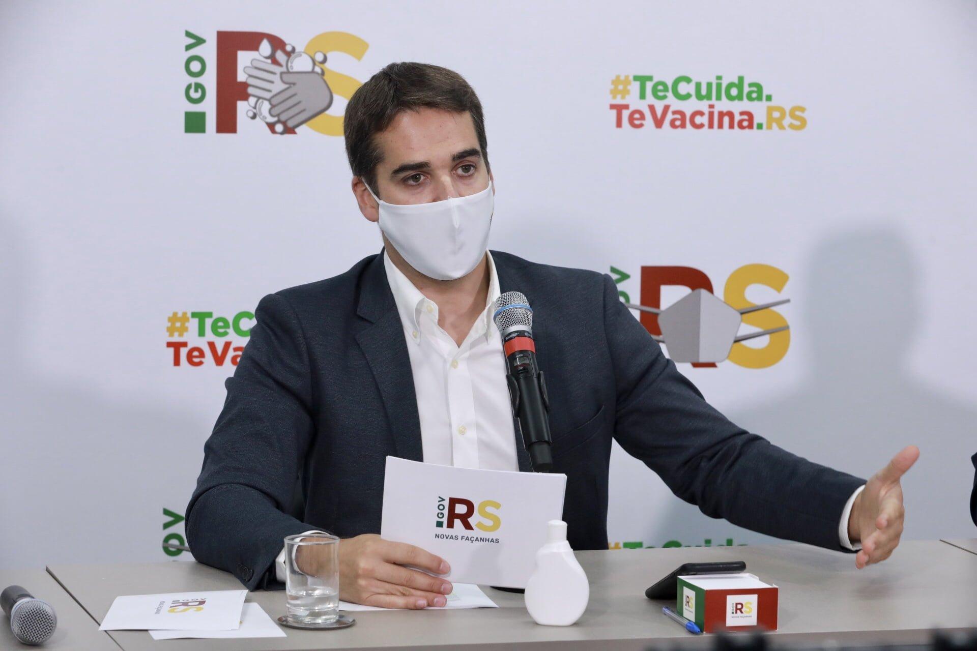 Acadêmicos da UERGS Botucaraí promovem ações ambientais em escola do interior