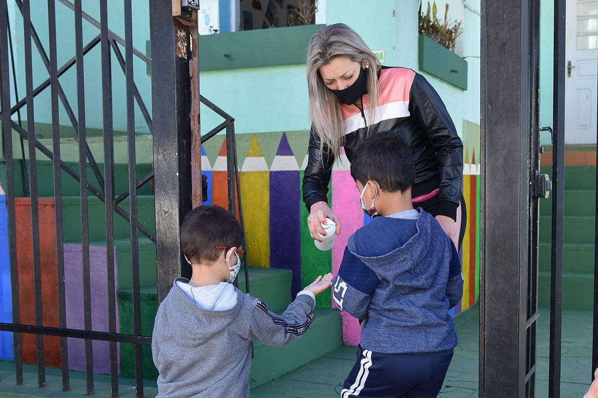 Prefeita em exercício de Soledade recebe visita do deputado Paparico Bacchi